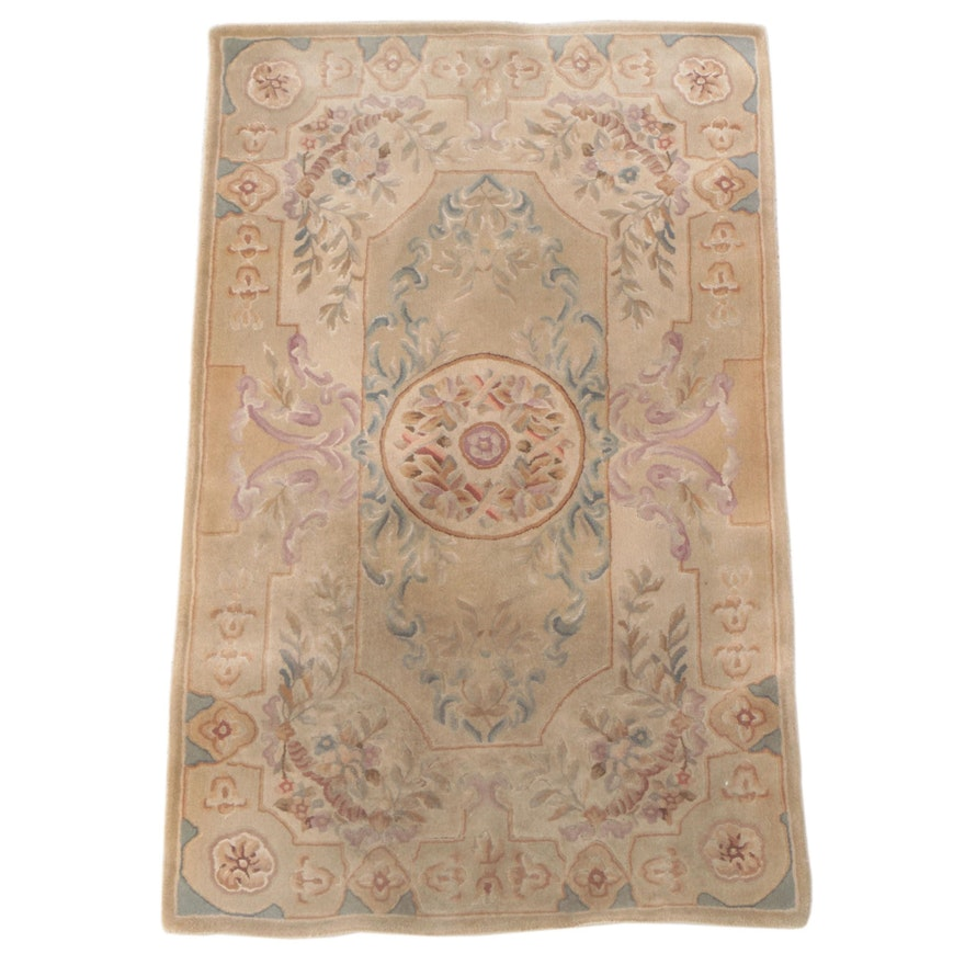 3' x 5' Hand-Tufted Floral Area Rug