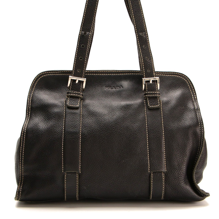Prada Shoulder Bag in Black Daino Leather with Contrasting Topstitching