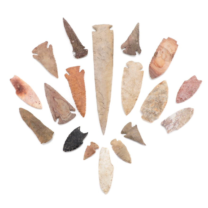Corner and Side Notched Serrated and Flared Base Projectile Points and Knives