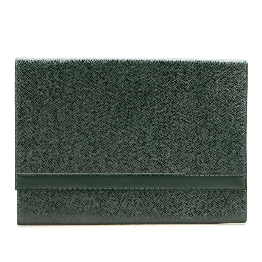 Louis Vuitton Porte-Document Volga Clutch in Épicéa Taïga Leather