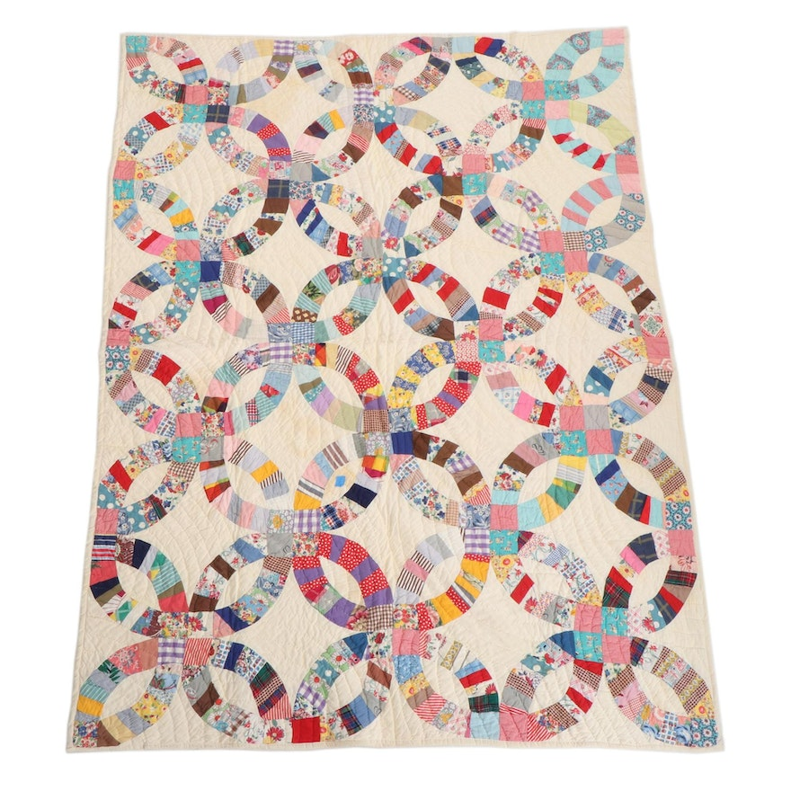 """Handmade """"Double Wedding Ring"""" Pieced Cotton Quilt"""