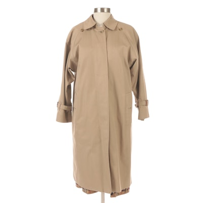 Burberrys Classic Khaki Gabardine Single-Breasted Trench Coat with Wool Liner