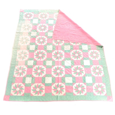 """Handmade """"Wheel of Fortune"""" Pieced Cotton Quilt, Mid to Late 20th Century"""