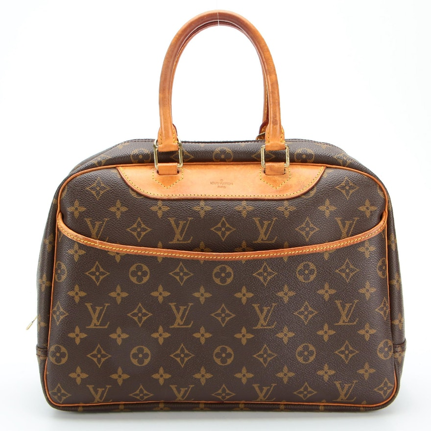 Louis Vuitton Deauville Bag in Monogram Canvas and Vachetta Leather