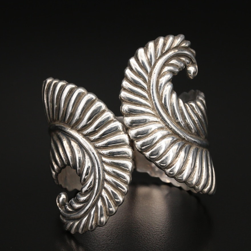 Vintage Mexican Modernist Sterling Feather Clamper