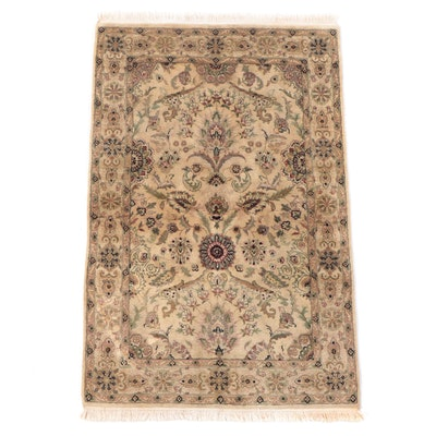 4' x 6'7 Hand-Knotted Indian Agra Area Rug