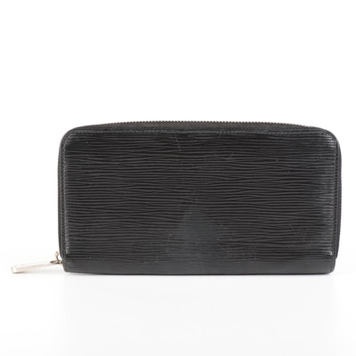 Louis Vuitton Zippy Wallet in Noir Epi Leather