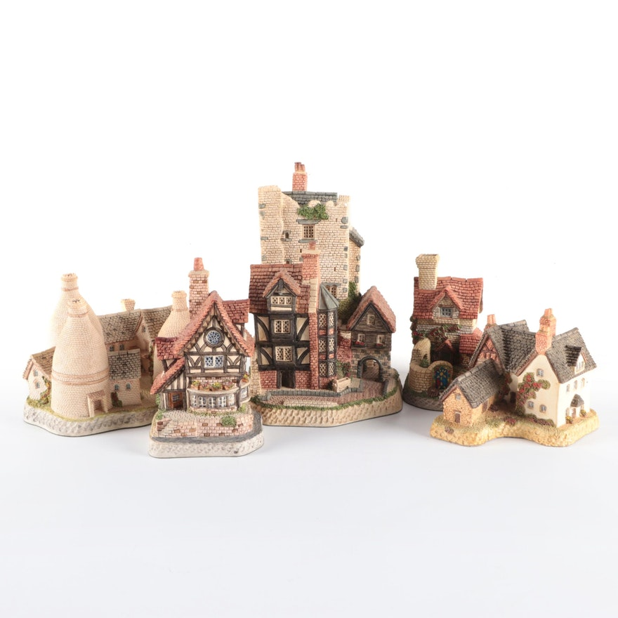 """David Winter """"Rochester Castle"""", """"Thameside"""" and Other Building Figurines"""