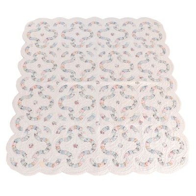 Arch Quilts of Elmsford, New York Scalloped Edge Cotton Quilt