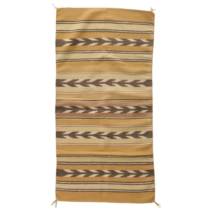 2'9 x 5'6 Handwoven Navajo Wool Area Rug