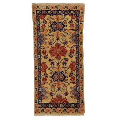 2'9 x 6'1 Hand-Knotted Floral Area Rug