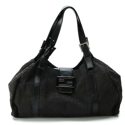 Fendi Shoulder Bag in Black Zucchino Canvas and Leather