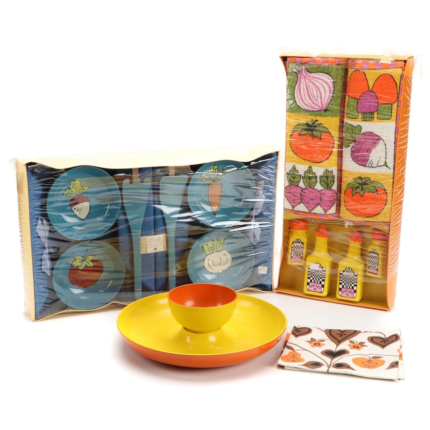 Veggie-Themed Table Accessories, Towels and Serveware, Late 20th Century