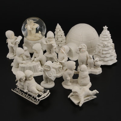 """Department 56 """"Snowbabies"""" Bisque Figurines and Music Snow Globe"""