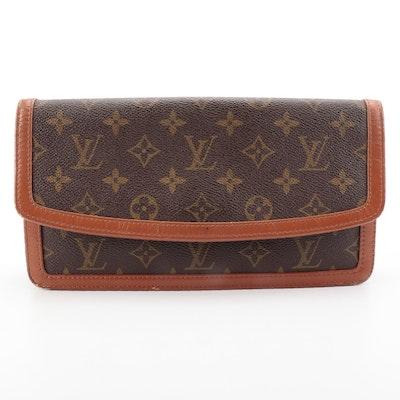 Louis Vuitton Pochette Dame 26 Clutch in Monogram Canvas