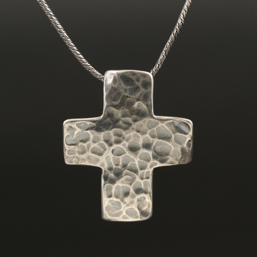 Silpada Sterling Silver Hammered Cross Pendant Necklace