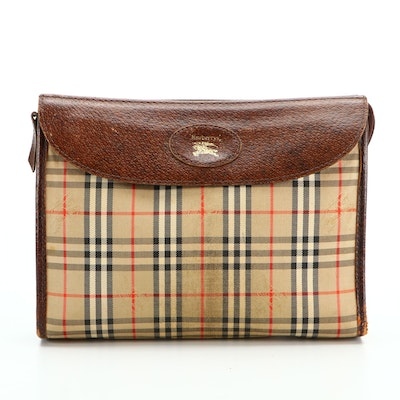 """Burberrys Clutch in """"Haymarket"""" Check and Dark Brown Leather"""