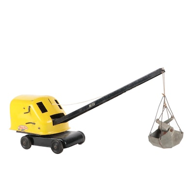 Tonka No. 150 Crane and Clam Shovel Pressed Steel Truck Toy, Mid-20th C.