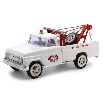 Tonka Pressed Steel Wrecker Toy Tow Truck, Mid to Late 20th Century