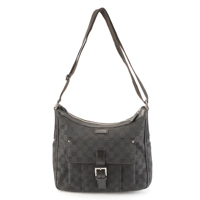Gucci Hobo Shoulder Bag in Black GG Canvas and Leather with Front Pocket