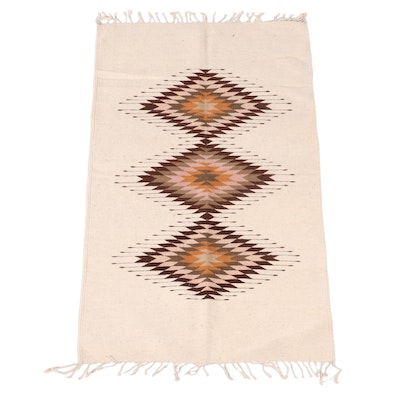 2'11 x 5'7 Handwoven Mexican Zapotec Accent Rug