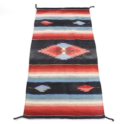 2'5 x 5' Handwoven Southwestern Style Accent Rug