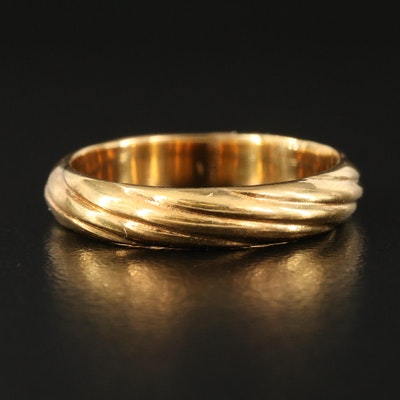 18K Fluted Band