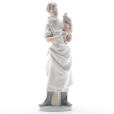 """Lladró """"Obstetrician"""" Porcelain Figurine Designed by Salvador Furió, 1977–1984"""