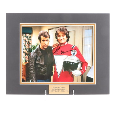 """Robin Williams """"Mork From Ork"""" Signed """"Happy Days"""" (Feb.1978) TV Photo Print"""