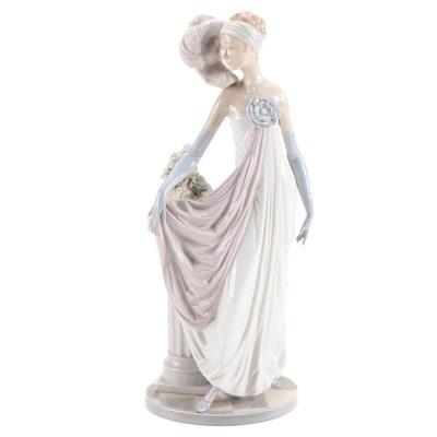 """Lladró """"Socialite of the 20s"""" Porcelain Figurine Designed by Vicente Martínez"""
