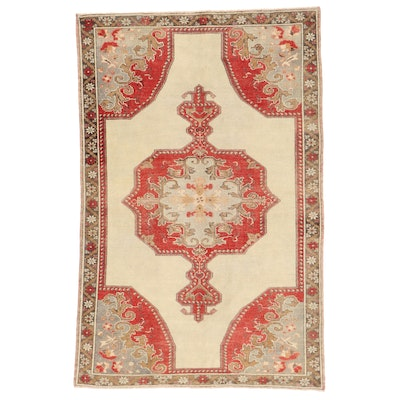 4'9 x 7'3 Hand-Knotted Area Rug