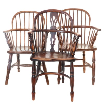 Three English Elm Windsor Bow-Back Armchairs, 19th Century