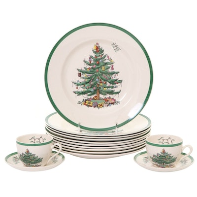 """Spode """"Christmas Tree"""" Earthenware Dinner Plates and Teacups, Late 20th Century"""