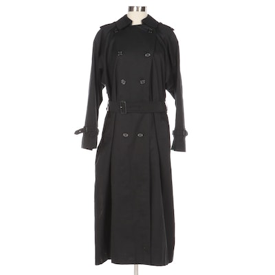 """Burberrys of London Black Double-Breasted Trench Coat with """"Nova Check"""" Lining"""