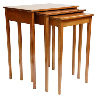 Peter Engel Inc. New York Walnut and Banded Inlay Nesting Tables, 20th Century