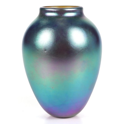 Robert Eickholt Handblown Iridescent Art Glass Vase, 2003