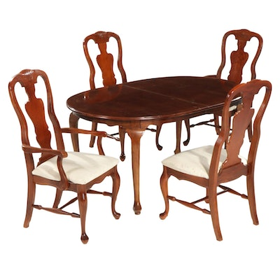 Queen Anne Style Mahogany Dining Table and Four Chairs, Late 20th Century