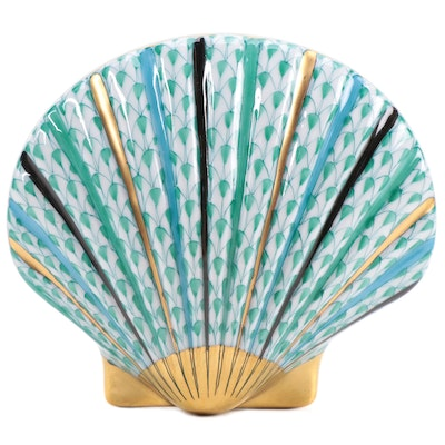 """Herend Green Fishnet """"Scallop Shell"""" First Edition Porcelain Figurine, 1996"""