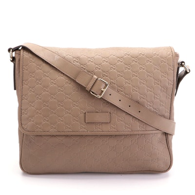 Gucci Messenger Bag in Guccissima Leather