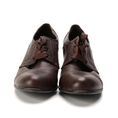 Kelly & Katie Oxford Style Pumps in Brown Faux Leather with Ribbon Laces
