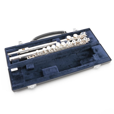 Yamaha 221 Concert Flute with Molded Plastic Case
