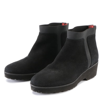 Pas de Rouge Rear-Zip Boots in Black with Red Leather Lining