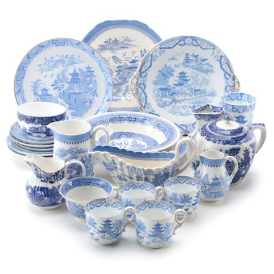 Grainger & Co. and Other English Blue Willow Pattern Tableware