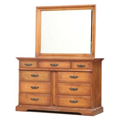 Pennsylvania House Federal Style Maple Nine-Drawer Dresser, MId-20th Century